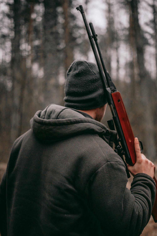 Gå trygt på jagt med det rette jagt udstyr